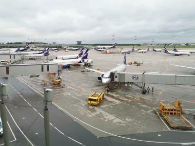 Aéroport de Moscou-Cheremetievo passerelle
