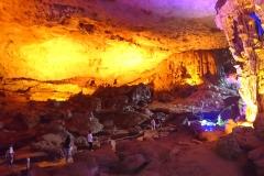 halong visite grotte