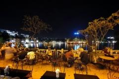 Terrasse en bord de lac Hanoi