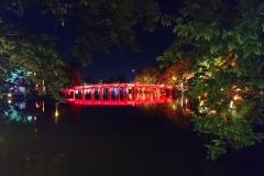 POnt de Hanoi la nuit