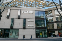 Prado shopping center