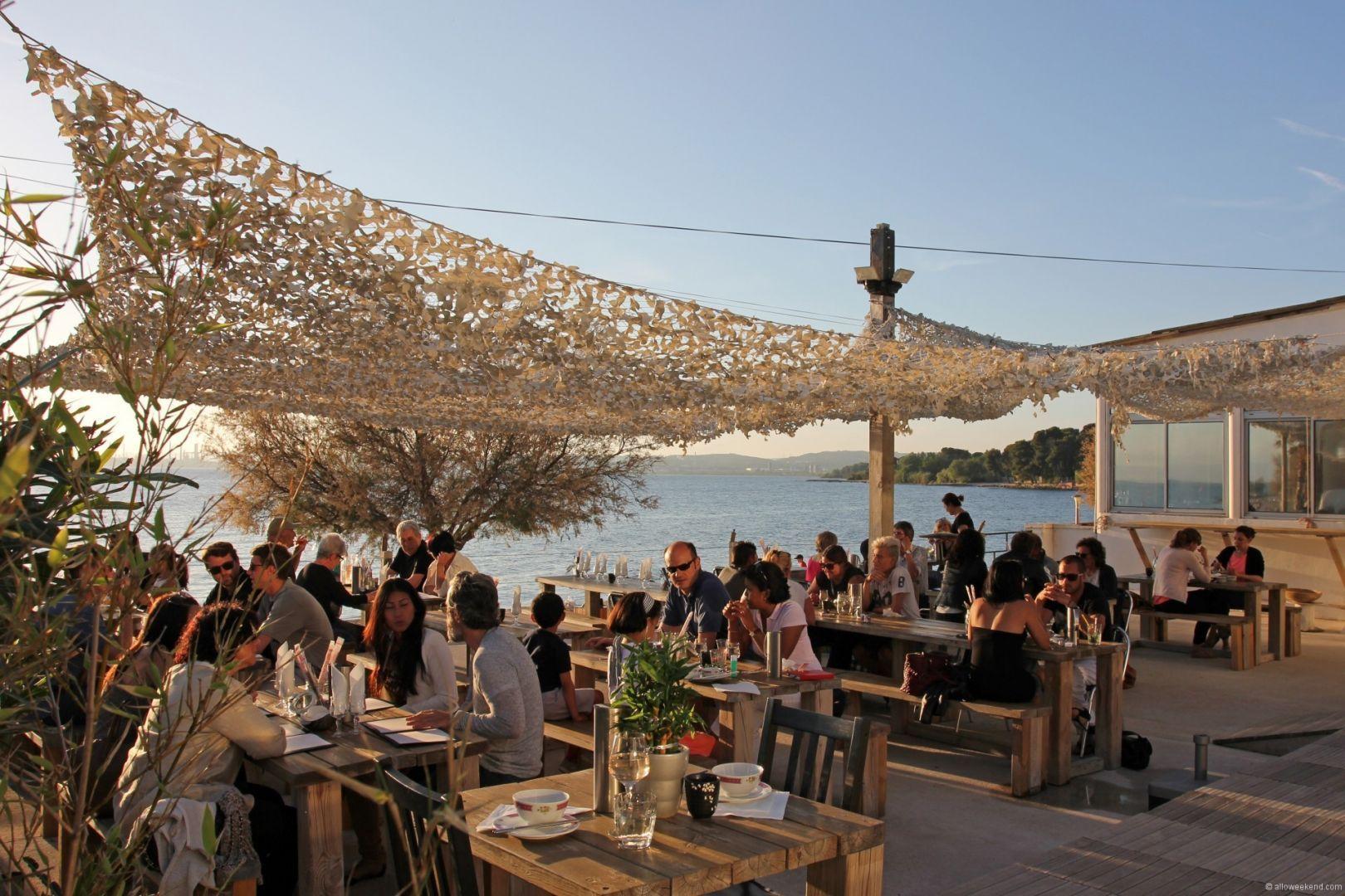 Restaurant La Mer  Ef Bf Bd Marseille