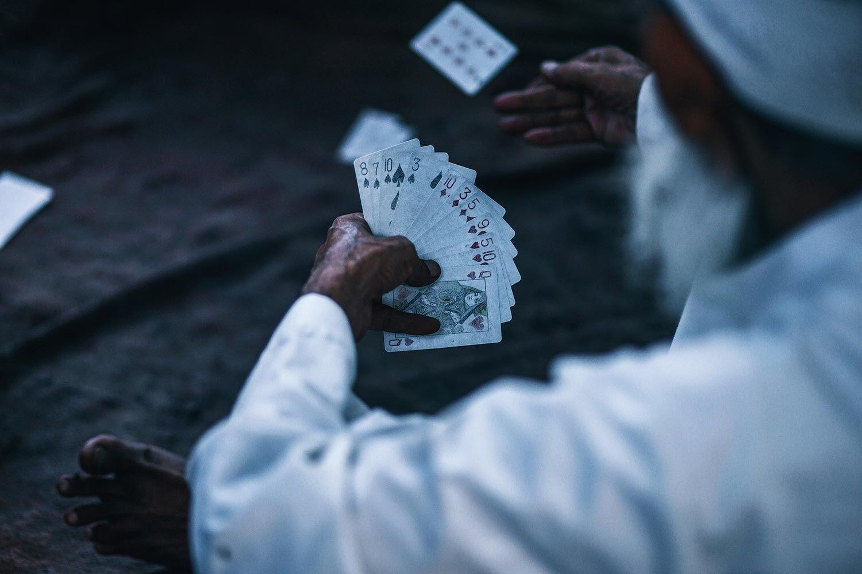 Un jeu de cartes expérimental pour prendre du recul