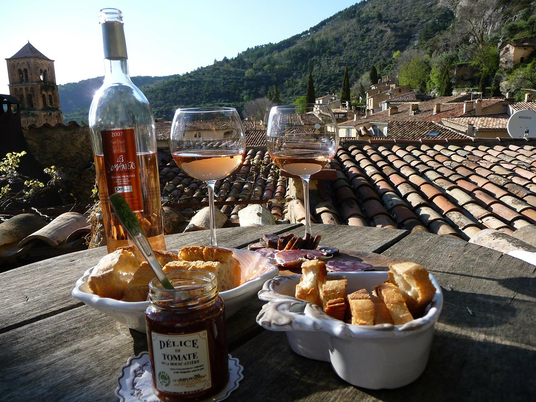 Découvrons l'histoire des vins A.O.C. prestigieux du terroir de la Provence