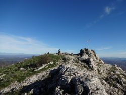 Faire une randonnée au Pic des Mouches Puyloubier près d'Aix en Provence